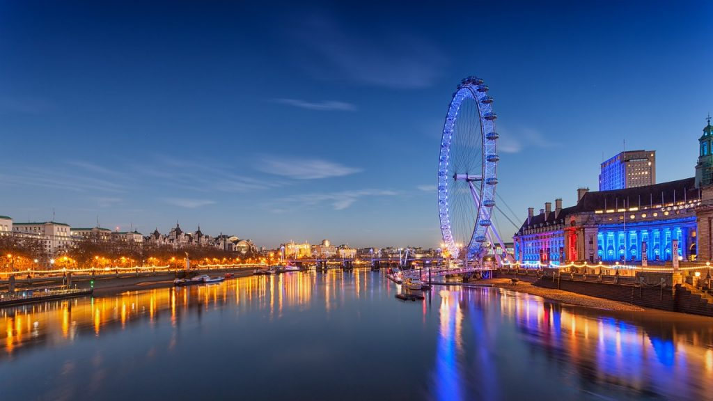 UK London Eye evening scene