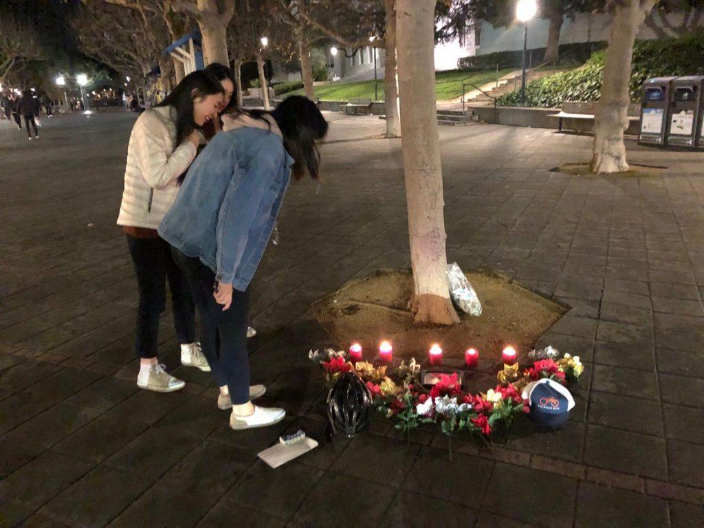 People on vigil for kiwi robot
