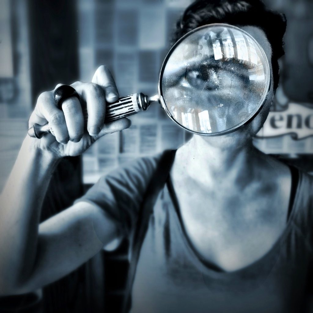 Investigation with a magnifying glass