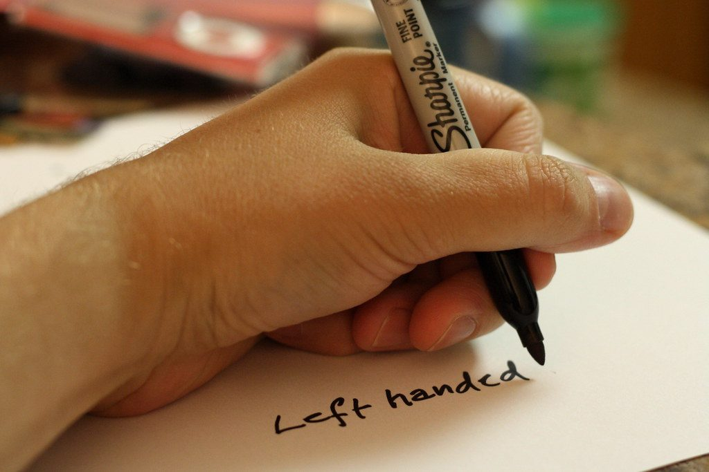 lefthanded-person-writing